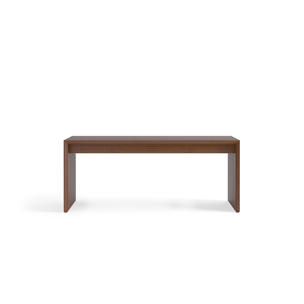 Desk without modesty